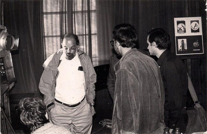 Zdjęcie: Zbigniew Stefański. Allen Ginsberg w Pałacyku T. Zielińskiego w Kielcach, 6 września 1986, Pierwszy z prawej: autor artykułu