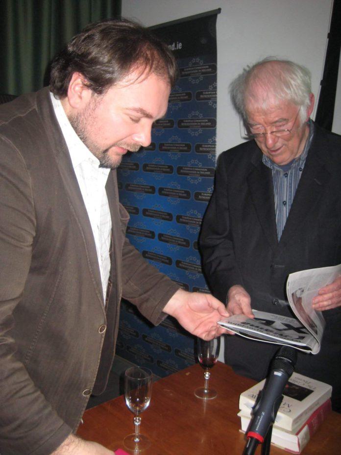 Tomasz Wybranowski, autor tekstu ze Ś.P. noblistą Seamusem Heaney'em. Fot. Katarzyna Sudak.