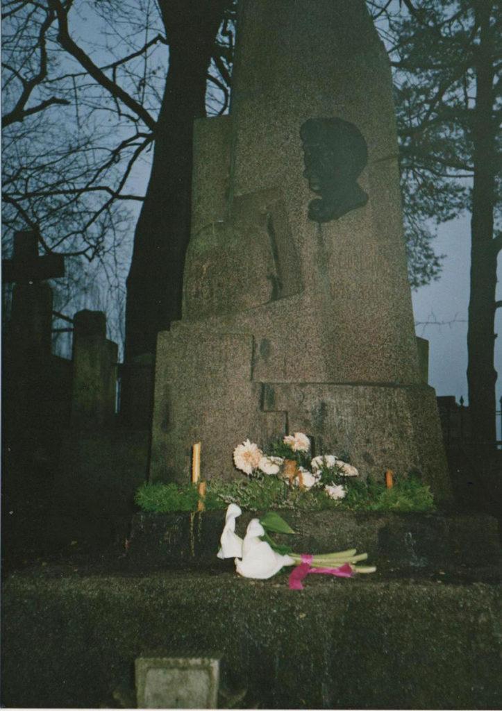 Artysta spoczął na wileńskim cmentarzu Rossa. Fot. K. Konecka